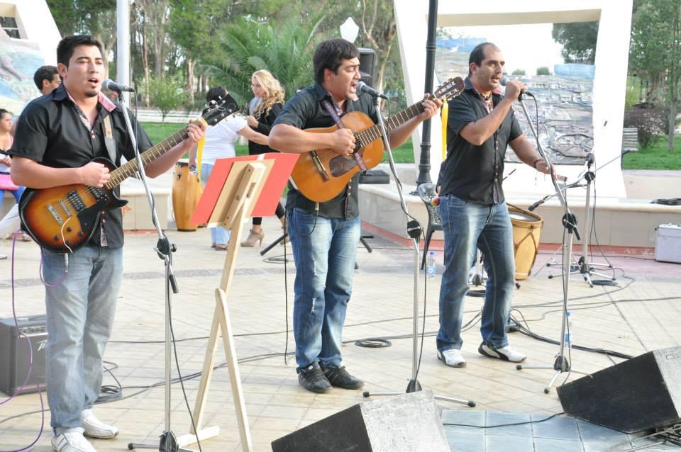Los Huayco mostrando lo mejor de su repertorio