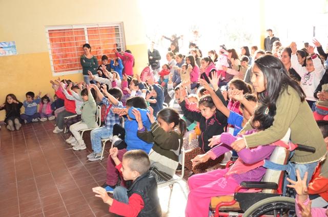 """Más de 5 mil chicos festejaron las """"Vacaciones de Inverno"""" en Rivadavia"""