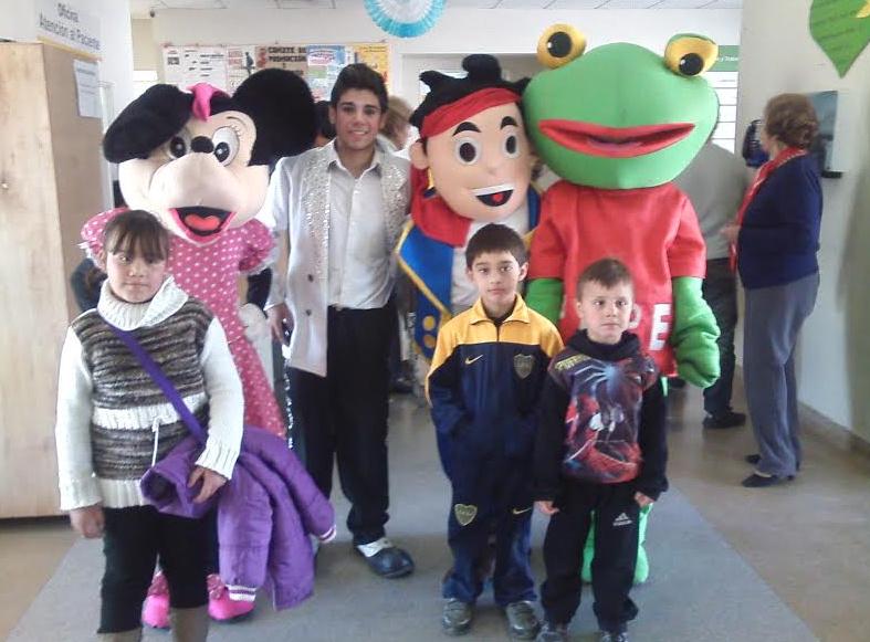 La Cooperadora del Hospital Saporiti emocionó a niños y grandes