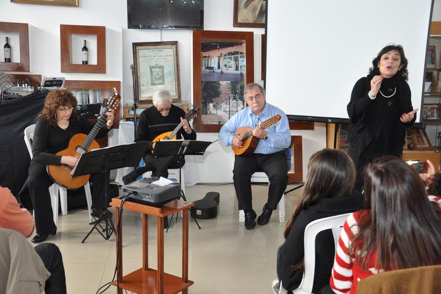 Música italiana en el Cacique Corocorto