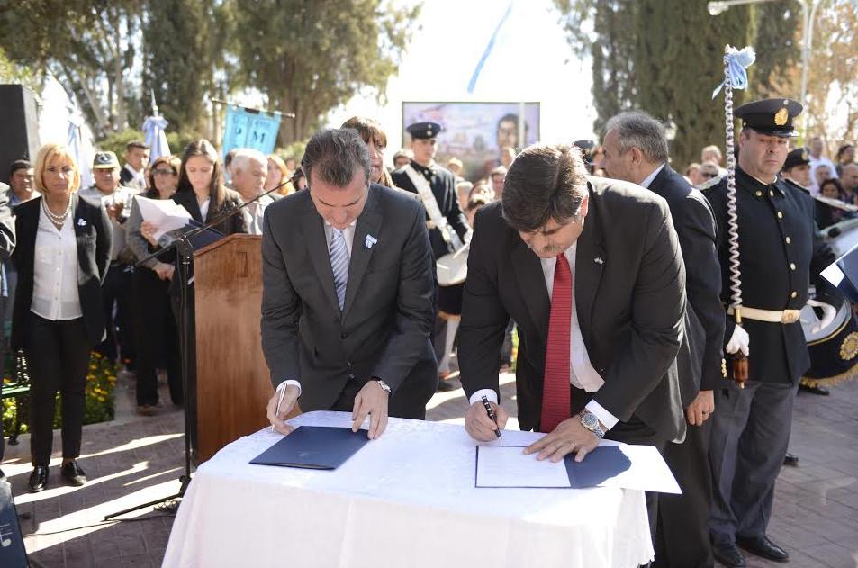 Firma de Convenios - Abed - Pérez