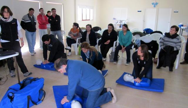 Realizaron una capacitación de reanimación cardiopulmonar en el Hospital Arturo Illia de La Paz
