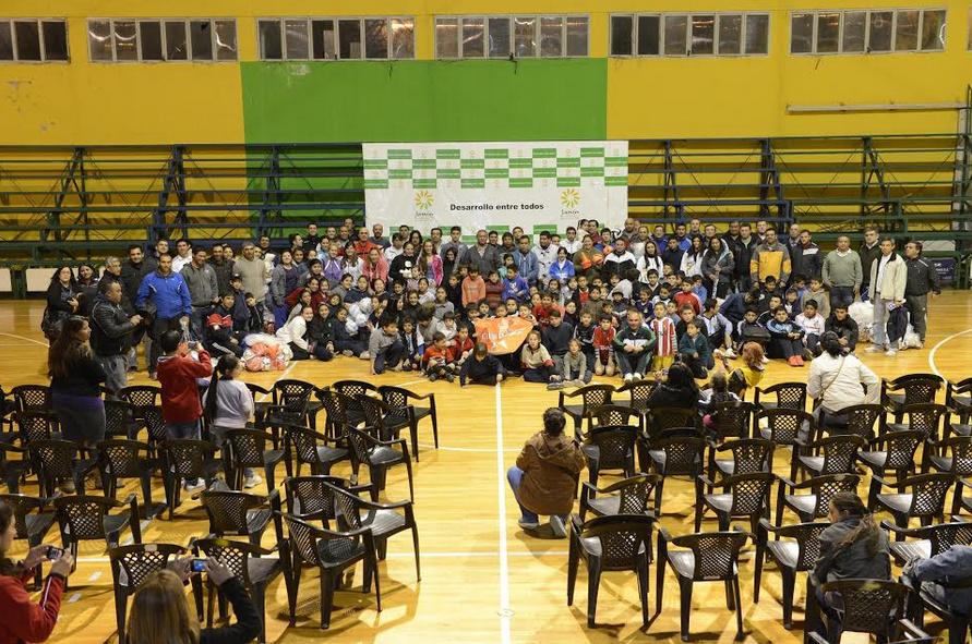 Centros de Desarrollo Deportivo de Junín recibieron materiales
