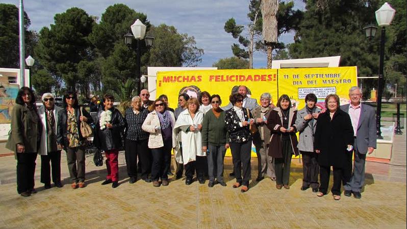 Docentes Jubilados de La Paz junto al intendente Pinto
