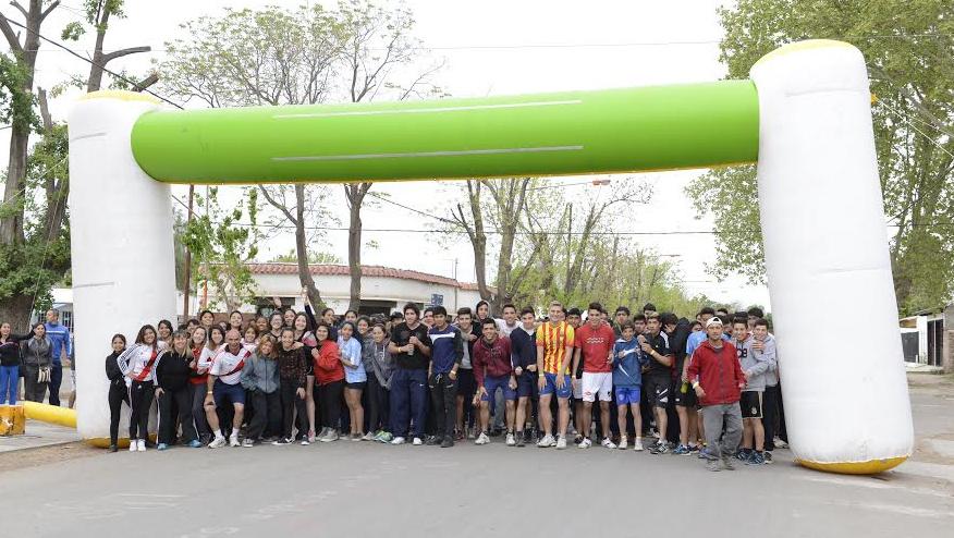se disputó la I Carrera Estudiantil Medrano 2014
