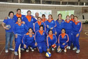 El Equipo de Maxi Vóley Femenino de La Paz luce nueva indumentaria