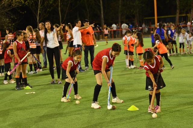 Cancha de hóckey - Foto: Prensa Rivadavia.-