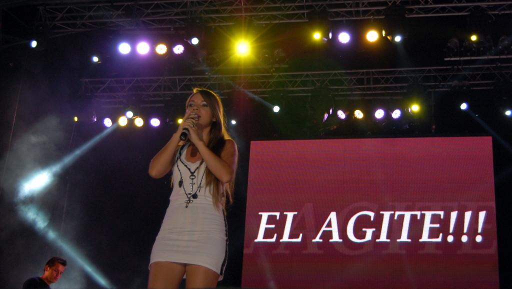 "Karen de ""El Agite"" - Foto: Mayra Pereira.-"