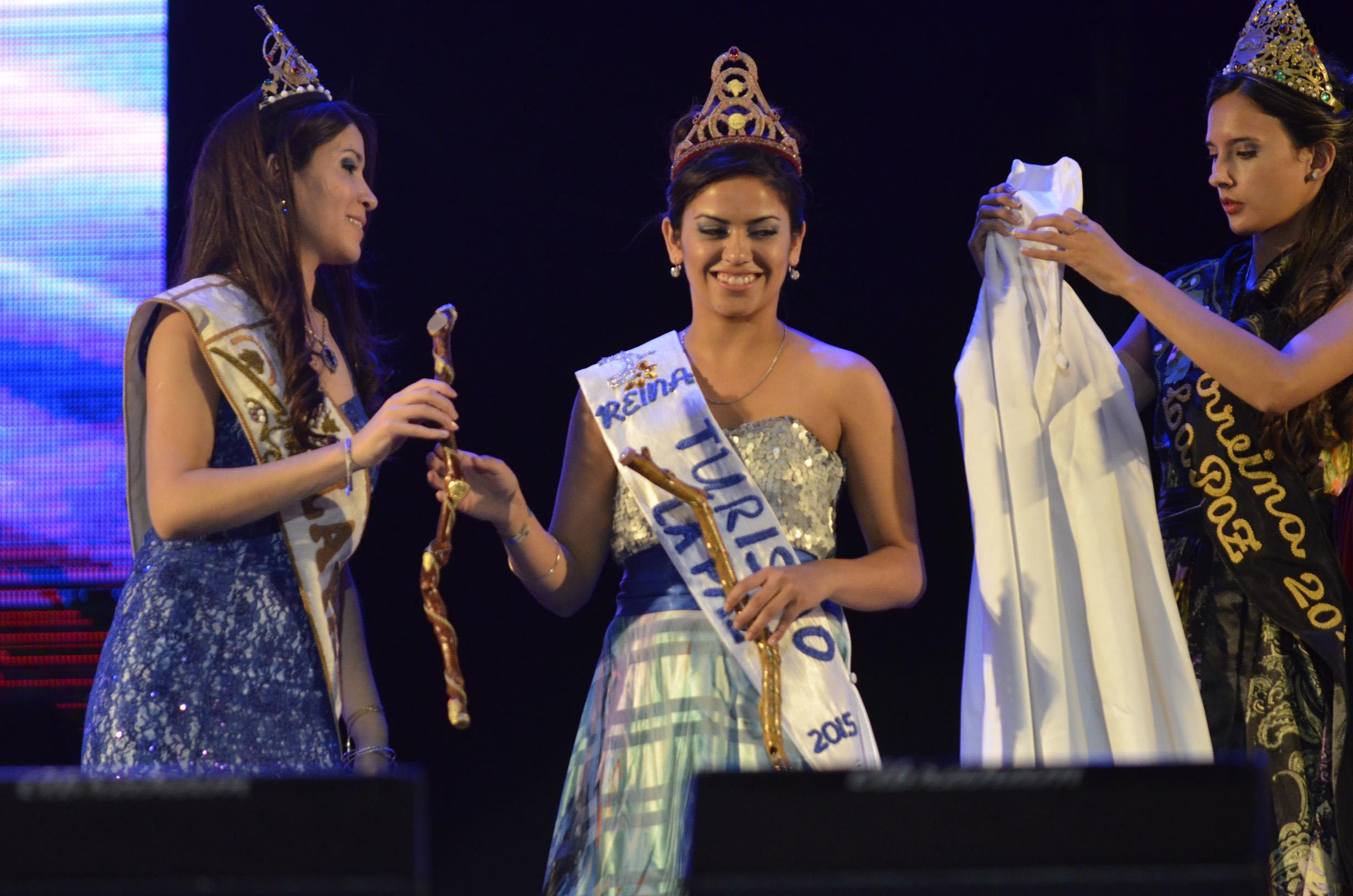 La Reina y Virreina Vendimial coronan a Karen Sosa como  Reina Departamental del Turismo