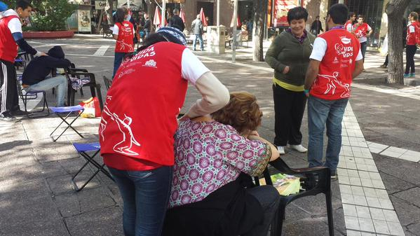 3.500 jóvenes forman gota humana gigante en Mendoza