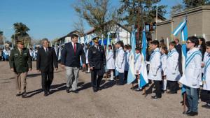 Se realizó en La Colonia el Acto Oficial en el Día de la Bandera