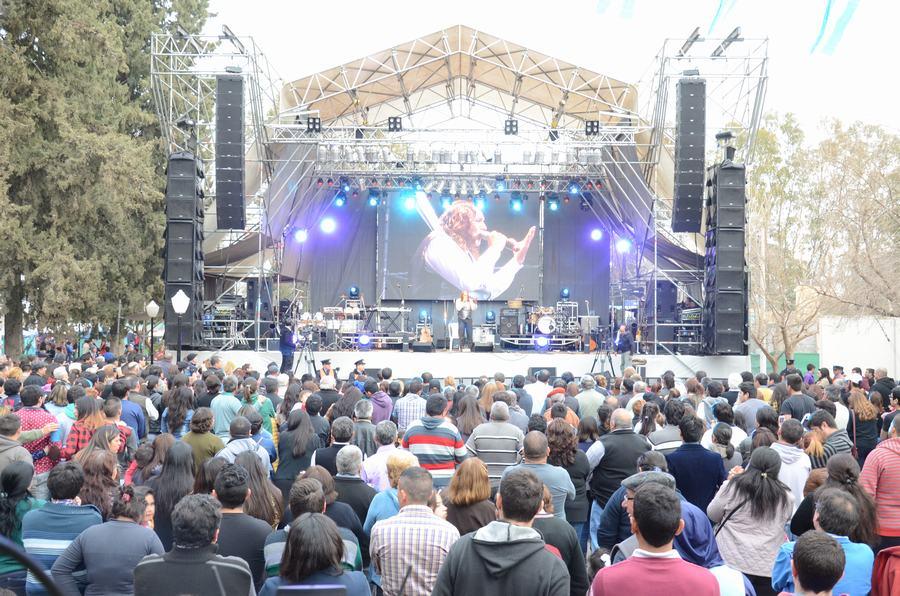 Show Musical - Cacho Garay