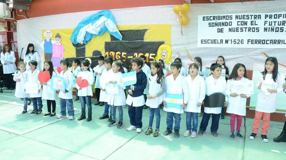 LA ESCUELA Nº 1-526 FERROCARRILES ARGENTINOS CELEBRO SU 50º ANIVERSARIO