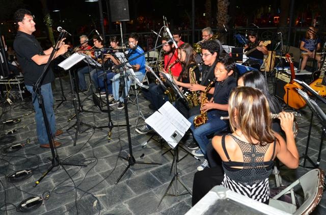 COLORIDO CIERRE DE LA ESCUELA DE  MÚSICA