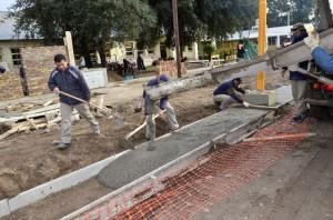 Avanza la obra para la seguridad vial frente a la Escuela Formosa