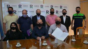 Se firmó un acuerdo entre el Municipio de Rivadavia en conjunto con el I.C.A.R. y la Unión Vecinal de Servicios Públicos Barrio Lencinas